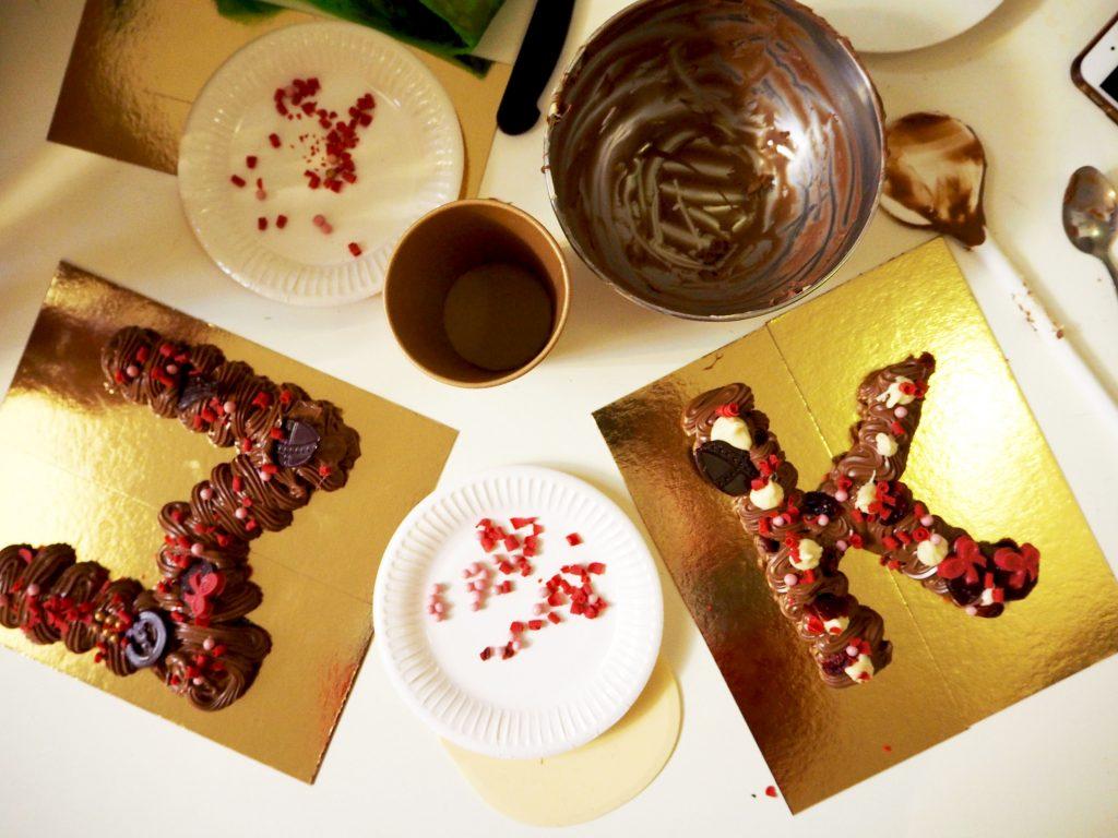 SINTERKLAAS TIP: Chocoladeletters spuiten bij Banketbakkerij Royal