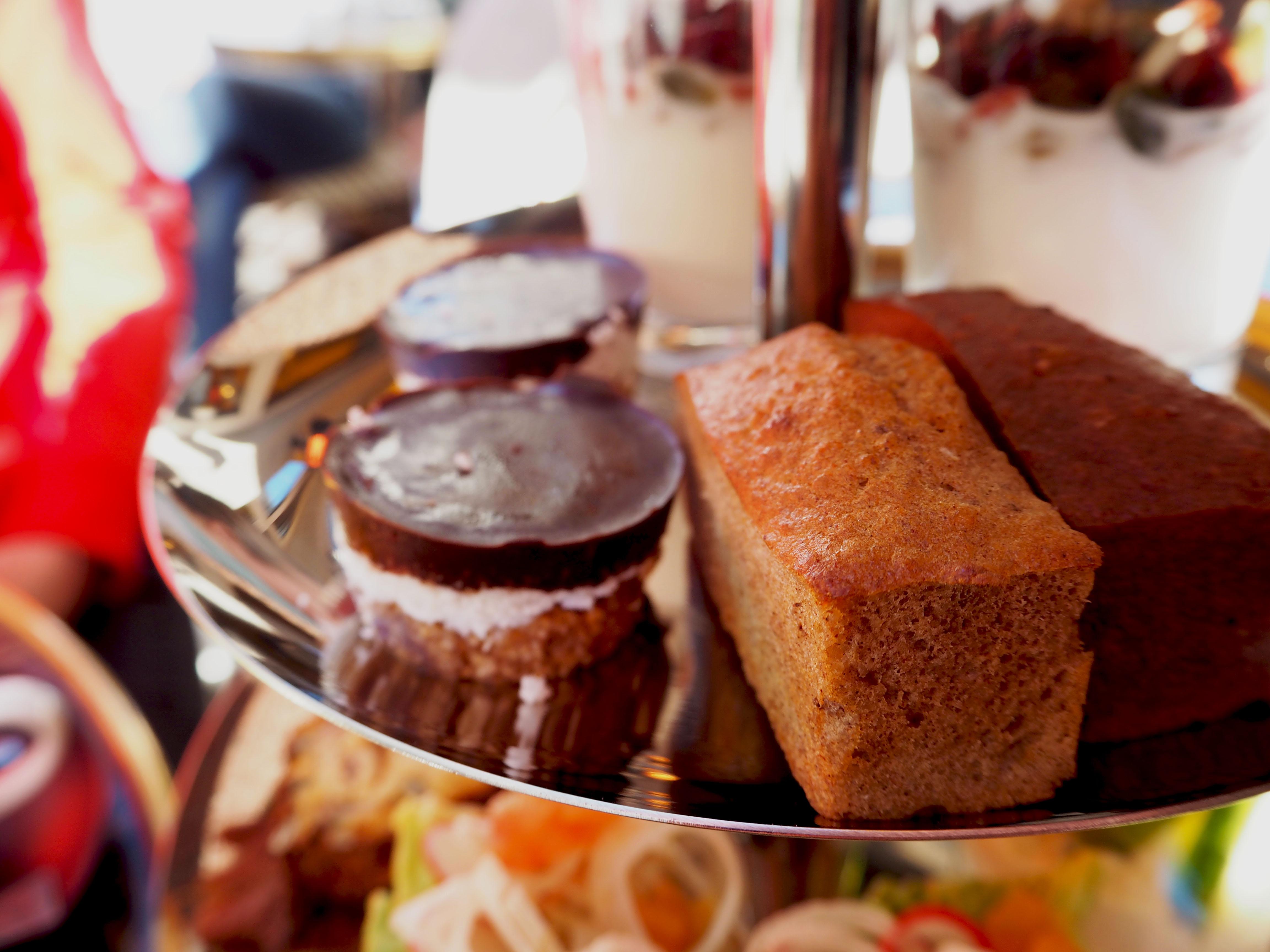 cake homemade cote bar bistro