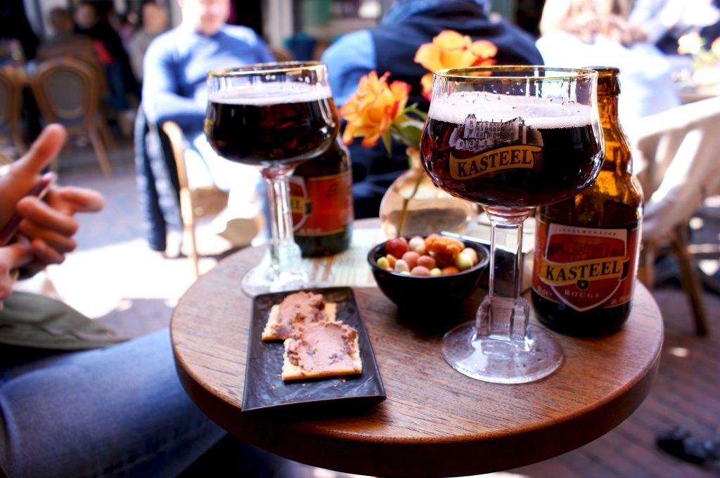 Gezellig en lekker speciaalbier drinken bij Tapperij de Keyzer