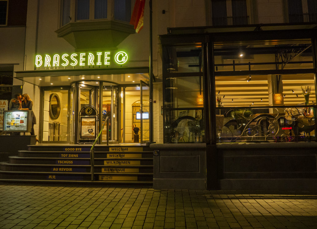 BRASSERIE CÉ BY NIGHT